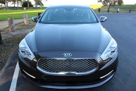 The 2015 Kia K900 Is The Korean Car Maker's Top-of-the