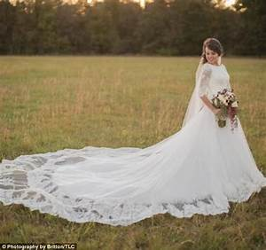 the duggar wedding dress tradition daily mail online With duggar wedding dresses