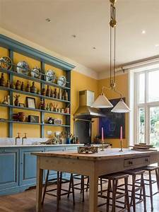 Vintage English Country Kitchen In Bold Colors - DigsDigs