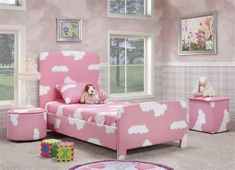 25 Creative Pink Bedroom Design Ideas