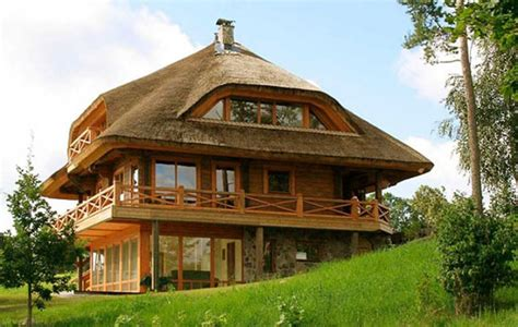 24 Ecofriendly Houses Made With Natural Materials