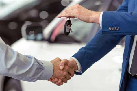 Kā pārdot lietotu automašīnu? Pārdošana tiešsaistē - Lateva