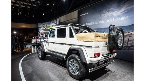 The exceptional g 650 landaulet follows the equally spectacular variants g 63 amg 6x6 and g 500 4x42. Mercedes-Maybach G650 Landaulet (2017): Infos, Preis, Motorisierung - auto motor und sport
