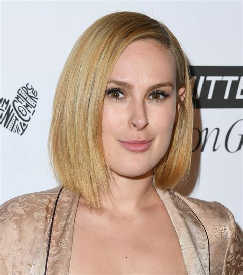 Rumer Willis Asymmetrical Cut Hair Lookbook Stylebistro