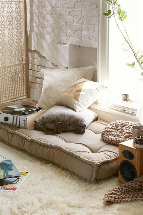 cusion floor can you replace a sofa with a daybed decorating lonny
