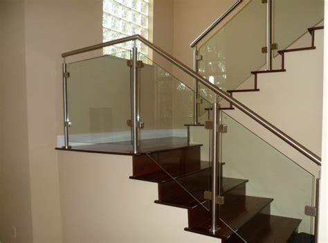 Treppengelaender Reparieren Schoen Und Sicher by 40 Treppengel 228 Nder Glas Luftiges Gef 252 Hl Im Innendesign