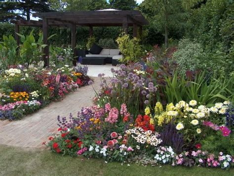 small cottage gardens cottage garden photos the history of cottage gardens the cottage garden has its roots in