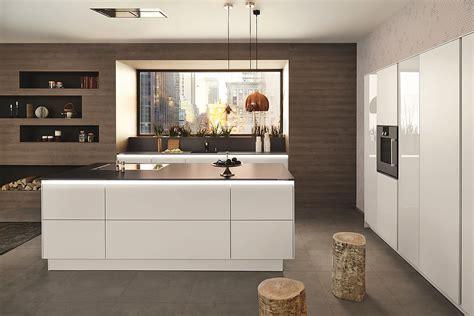 Design Küchen Mit Insel by Wei 223 E Grifflose Designk 252 Che Mit Beleuchtung
