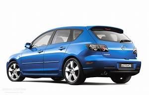 Mazda 3    Axela Hatchback