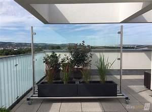 glas windschutz auf rollen glasprofi24 With französischer balkon mit glaswand sichtschutz garten