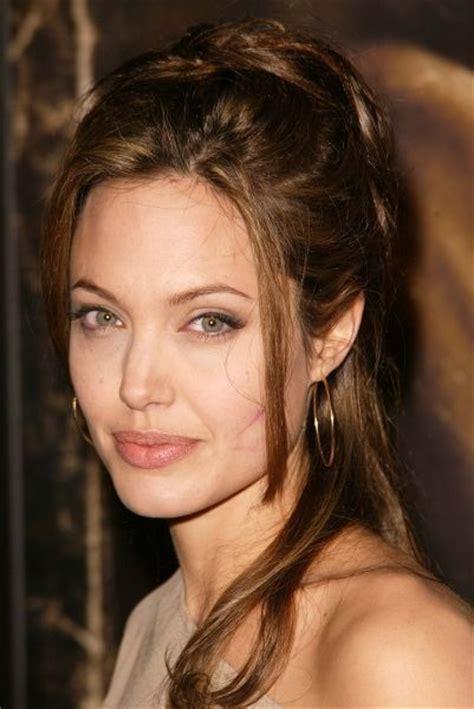 » Angelina Jolie Hairstyles