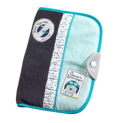 chambre sauthon bleu lazare protège carnet de santé bleu de sauthon baby déco