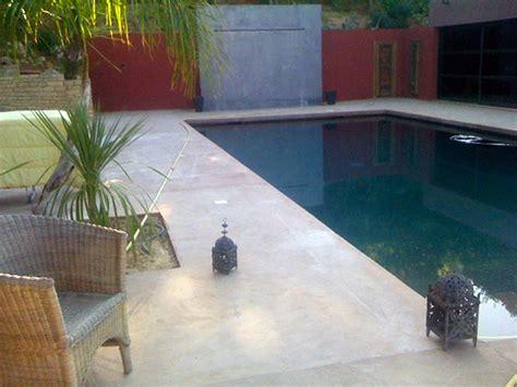 enduit decoratif cuisine terrasse de piscine en béton ciré annecy pose terrasse de piscines béton ciré geneve sarl