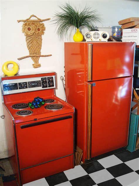 retro kitchen colors poppy stove and refrigerator original colors 1932