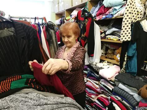 Sarkanais krusts piedāvā iegādāties lētu apģērbu ziemas preču izpārdošanā