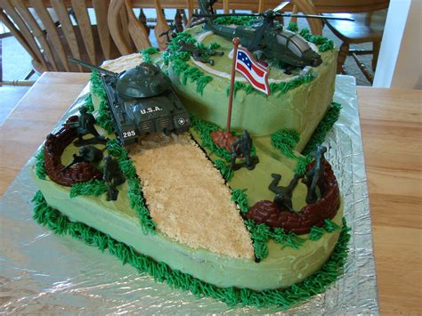 Check out our army doctor selection for the very best in unique or custom, handmade pieces from our prints shops. Army Cake | Army birthday cakes, Army cake