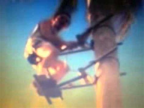 video kreatif seru orang memanjat pohon kelapa mudah