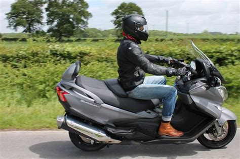 Suzuki Bergman 650 by Suzuki Burgman 650 Executive Review Real Sharp Scooter
