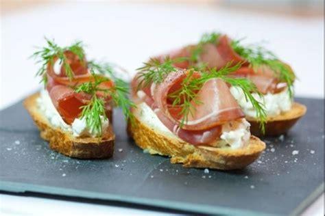 recette cuisine basque recette de crostini jambon cru et fromage frais facile et