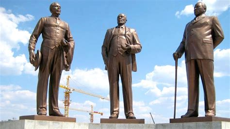 North Korea Industry Making Giant Statues For Global ...