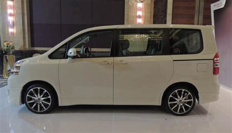 Toyota Nav1 Picture by Pictures Of Toyota Nav1 Navigator One Toyota Noah