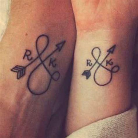 Tatouages Pour Couple  10 Tatoo à Faire à Deux  Parler D