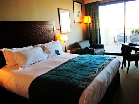 chambre marseille 24 heures avec vue sur le vieux port au sofitel marseille