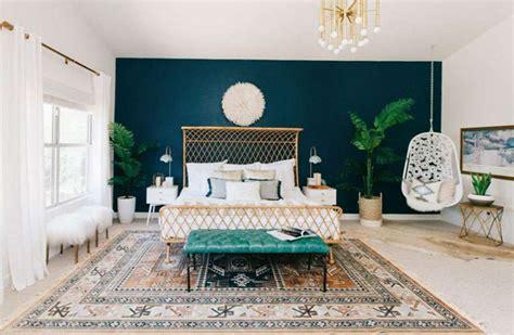 chambre mur bleu canard super deco