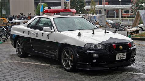 Nissan Skyline Gt-r R34 Police Car Caught In Action In