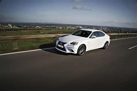 Lexus Is 300h F Sport Test Autogefhl