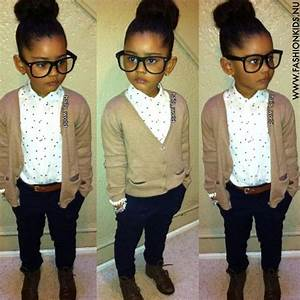 Cute tomboy, girly, cozy outfit. Maybe without the glasses ...