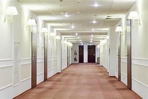 Porte De Couloir : couloir avec beaucoup de portes menant dans des chambres d 39 h tel image stock image du ~ Nature-et-papiers.com Idées de Décoration