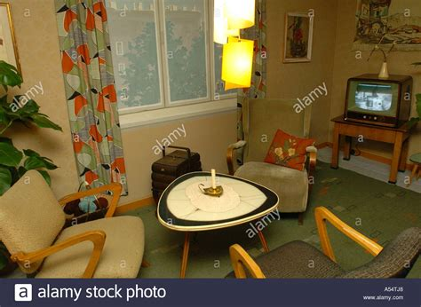 Wohnzimmer 50er Jahre by Apartment In 50s Style Stockfotos Apartment In 50s Style