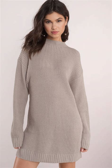 f0cdca57ae sweater outfit - Ecosia