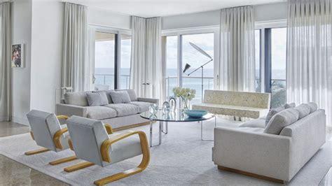 A Palm Beach Contemporary Apartment Full Of Art And Coastal Decor