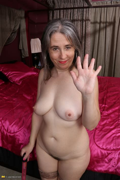 Hairy American Mature Lady Getting Nasty