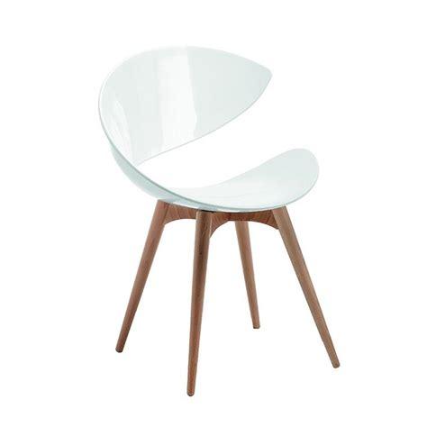 chaise blanche pied en bois chaise blanche et bois