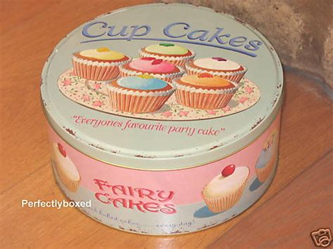 set of 3 novelty christmas cake tins wiscombe set of 3 cakes tins www perfectlyboxed