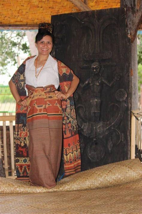 kain tenun sumba indonesia tenunan kain indonesia