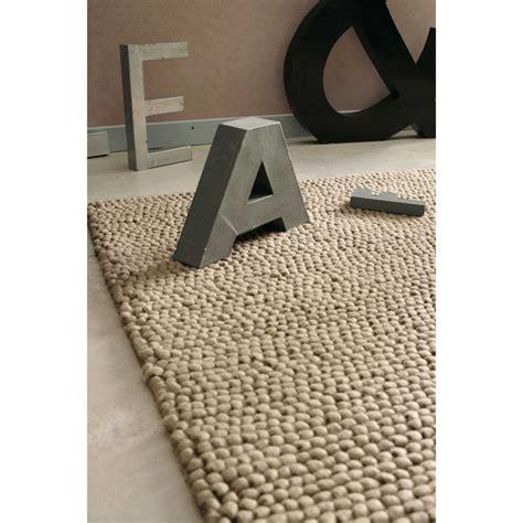 tapis en beige 140 x 200 cm industry maisons du monde