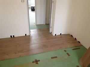 travaux interieurs pose des sols de l39etage ma maison With pose parquet flottant porte