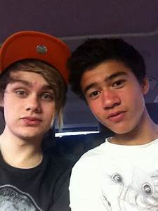 Fetus Michael and Calum XD - 5SOS-Fam Site