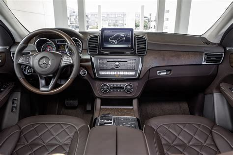 mercedes jeep 2016 interior 2016 mercedes benz gle class first look motor trend