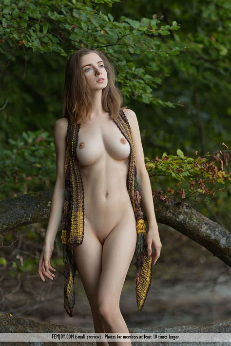 Mariposa A Super Pretty Naked Girl With A Perfect Body
