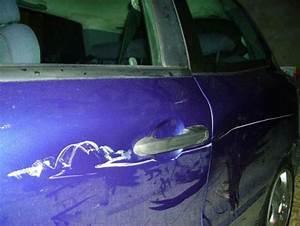 Enlever Rayure Profonde Voiture : comment reparer grosse rayure voiture ~ Melissatoandfro.com Idées de Décoration
