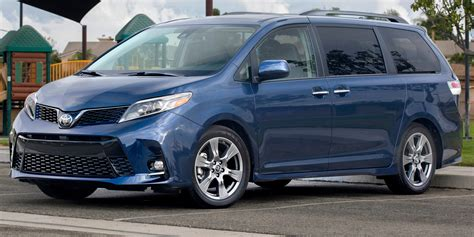 2018  Toyota  Sienna  Vehicles On Display Chicago