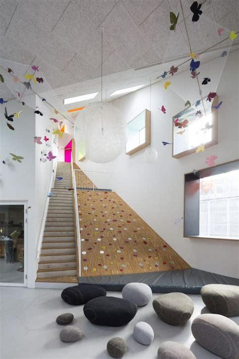 kids climbing wall   stairs homemydesign