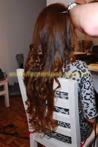 peinado  movimiento en chica cabello castano largo