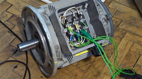how to connect three phase motor to single phase