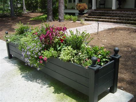 large planter box deck decor ideas